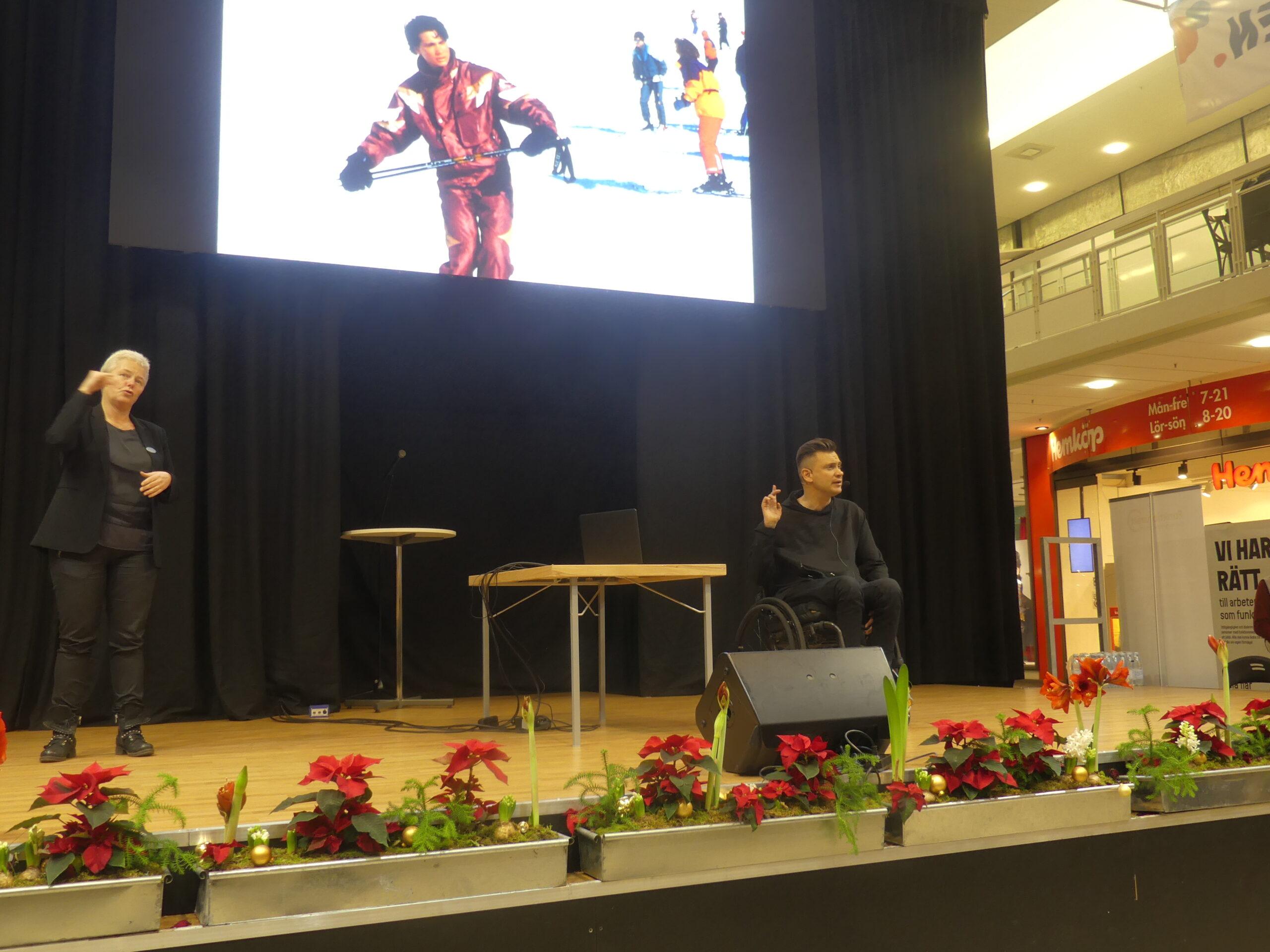 Anders Westgerd, verksamhetsledare GIL, berättade om sin erfarenhet av att bli rullstolsburen efter en skidolycka och om GIL:s aktivism mot diskriminering av personer med funktionsnedsättning.